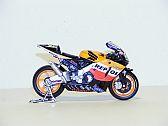Honda RC211V #46 (Moto GP 2003), Maisto